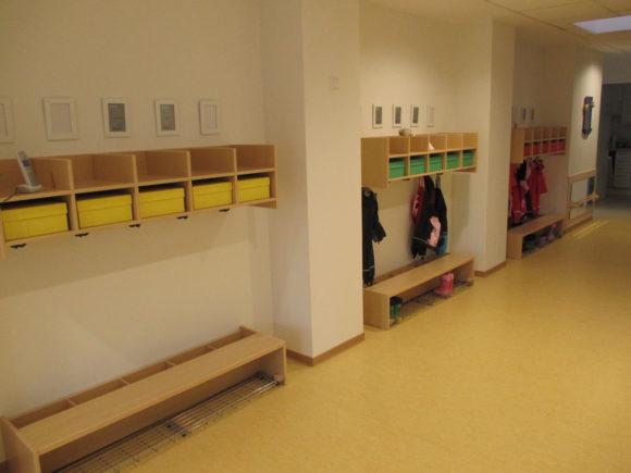 Garderoben der Kinder