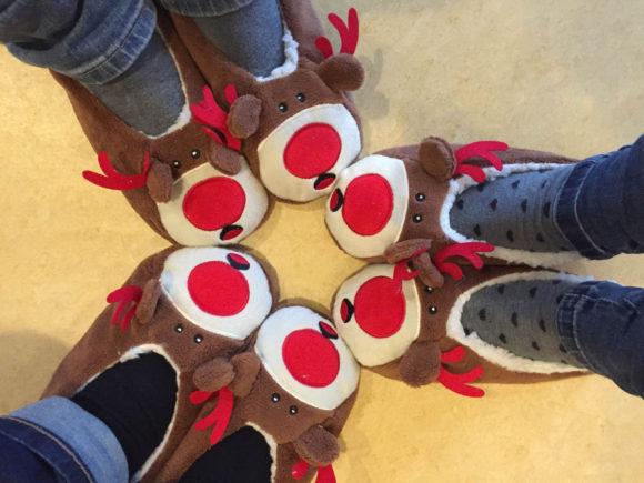 Und auch die Erzieherinnen der Krippe haben sich etwas weihnachtliches für dieses Jahr ausgedacht :)